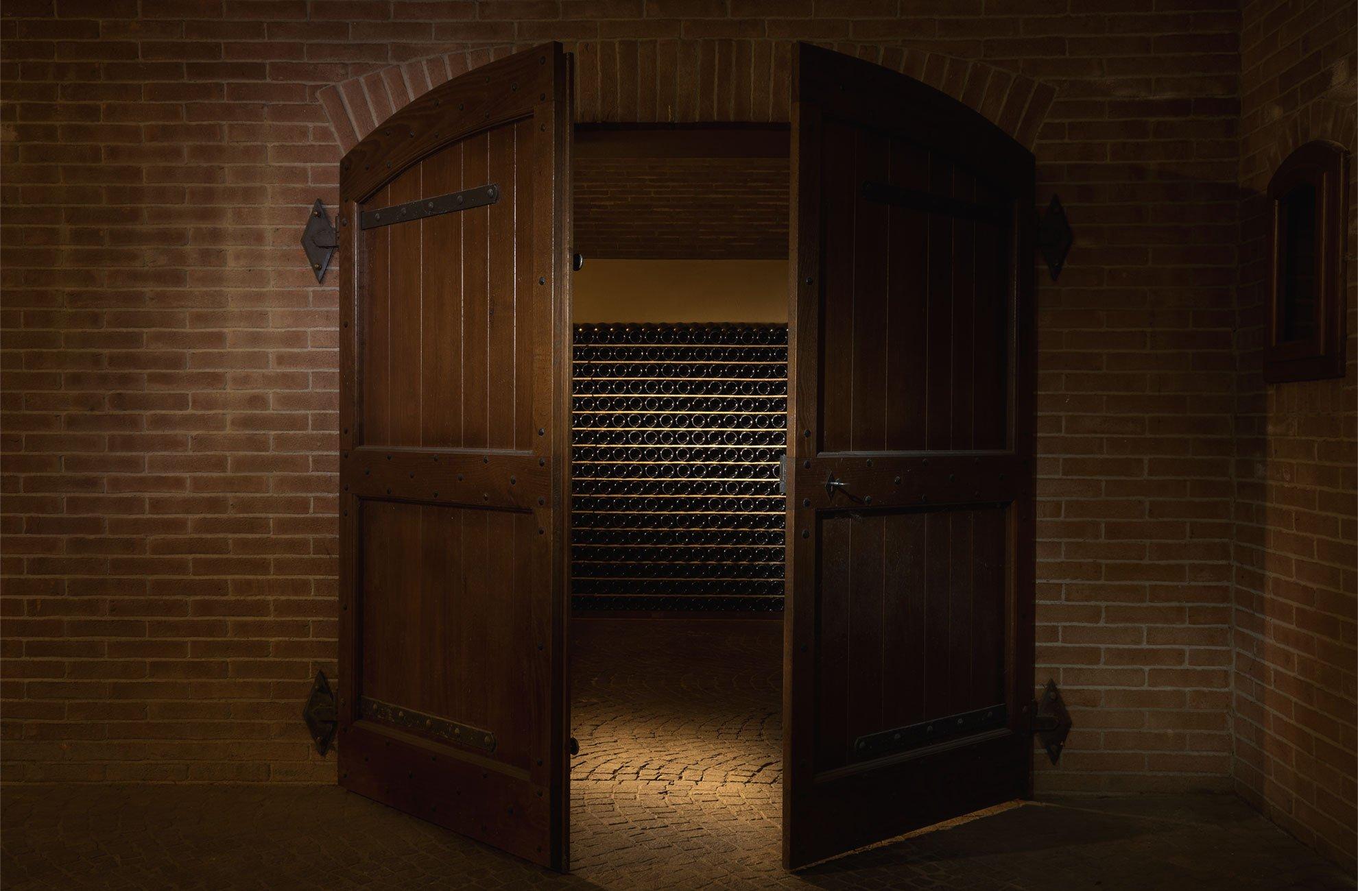 Visit our wine cellar | Deltetto